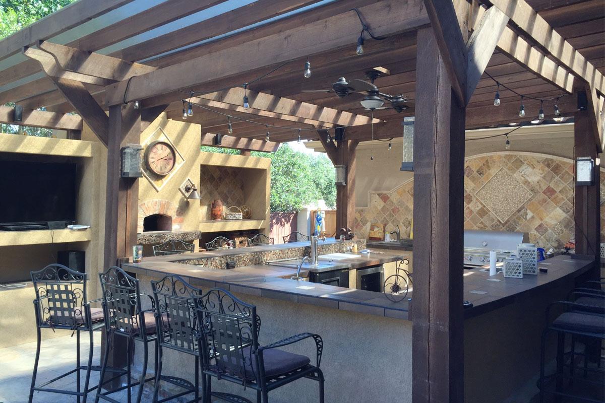 Outdoor Living: Outdoor Kitchens